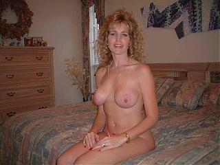 blonde-milf-moms