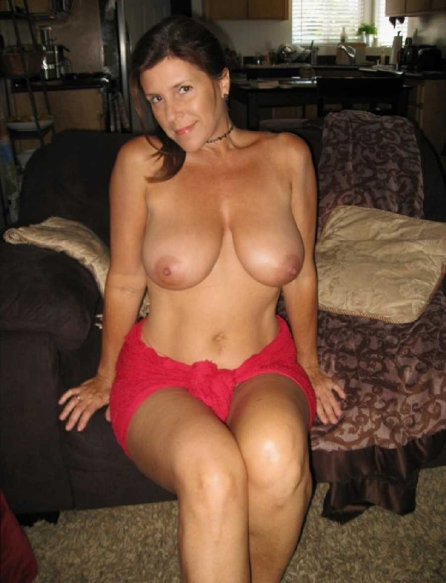 Hot Naked Milf Moms