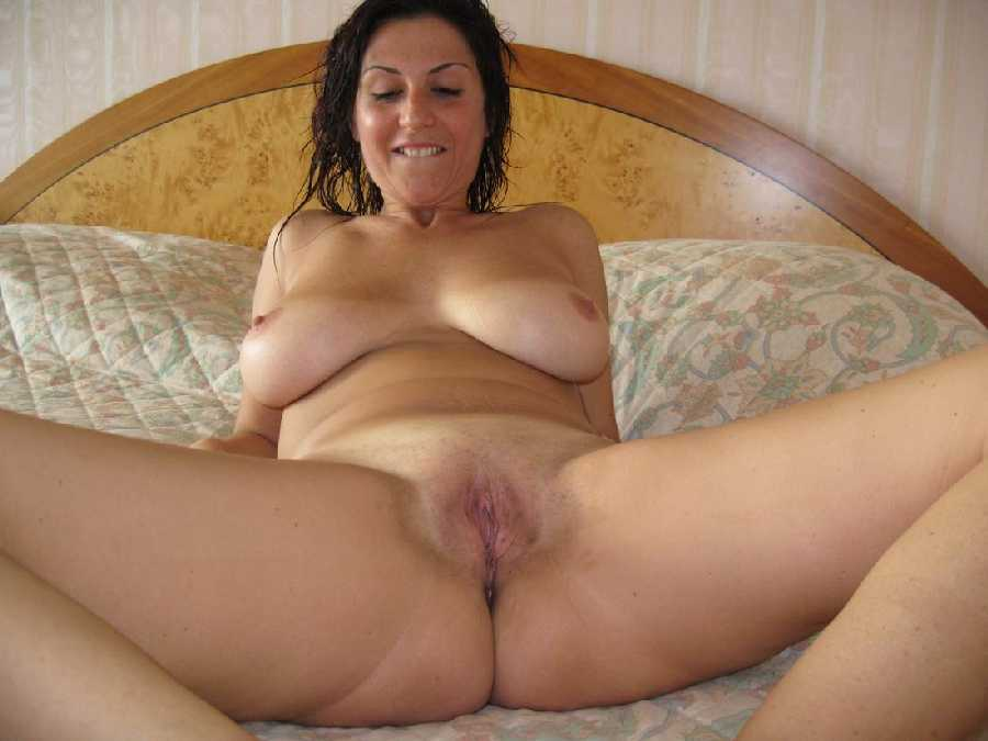 Naked Amateur Wife Nude
