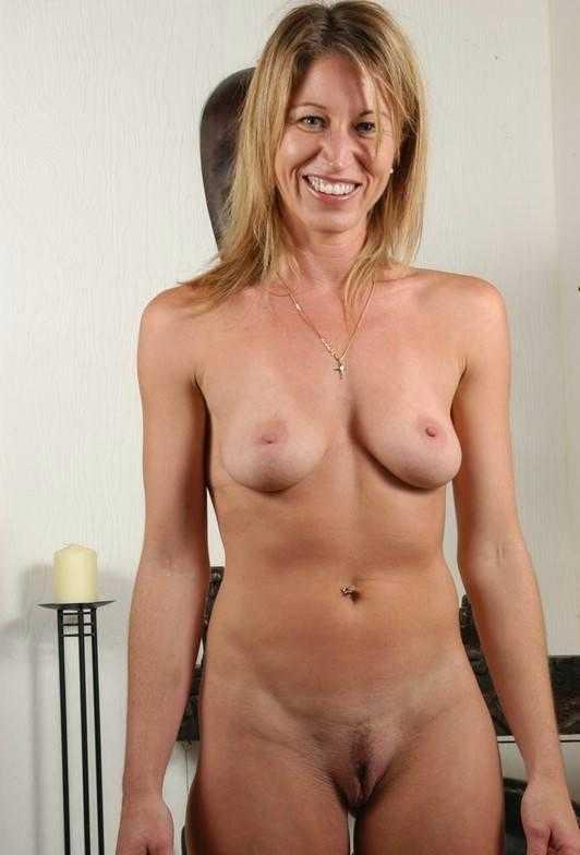 Nude Soccer Mom Milf Mature Amateur Wife