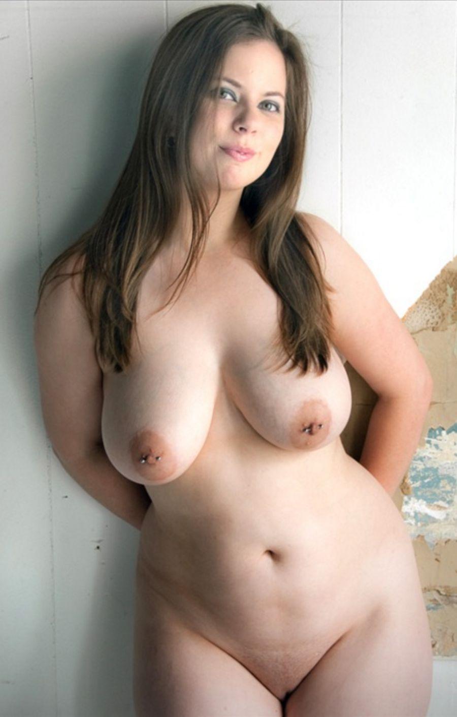 Фото голых с пышными формами 19 фотография