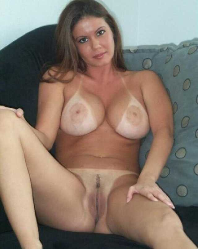 Tan Line Milf Real Amateur